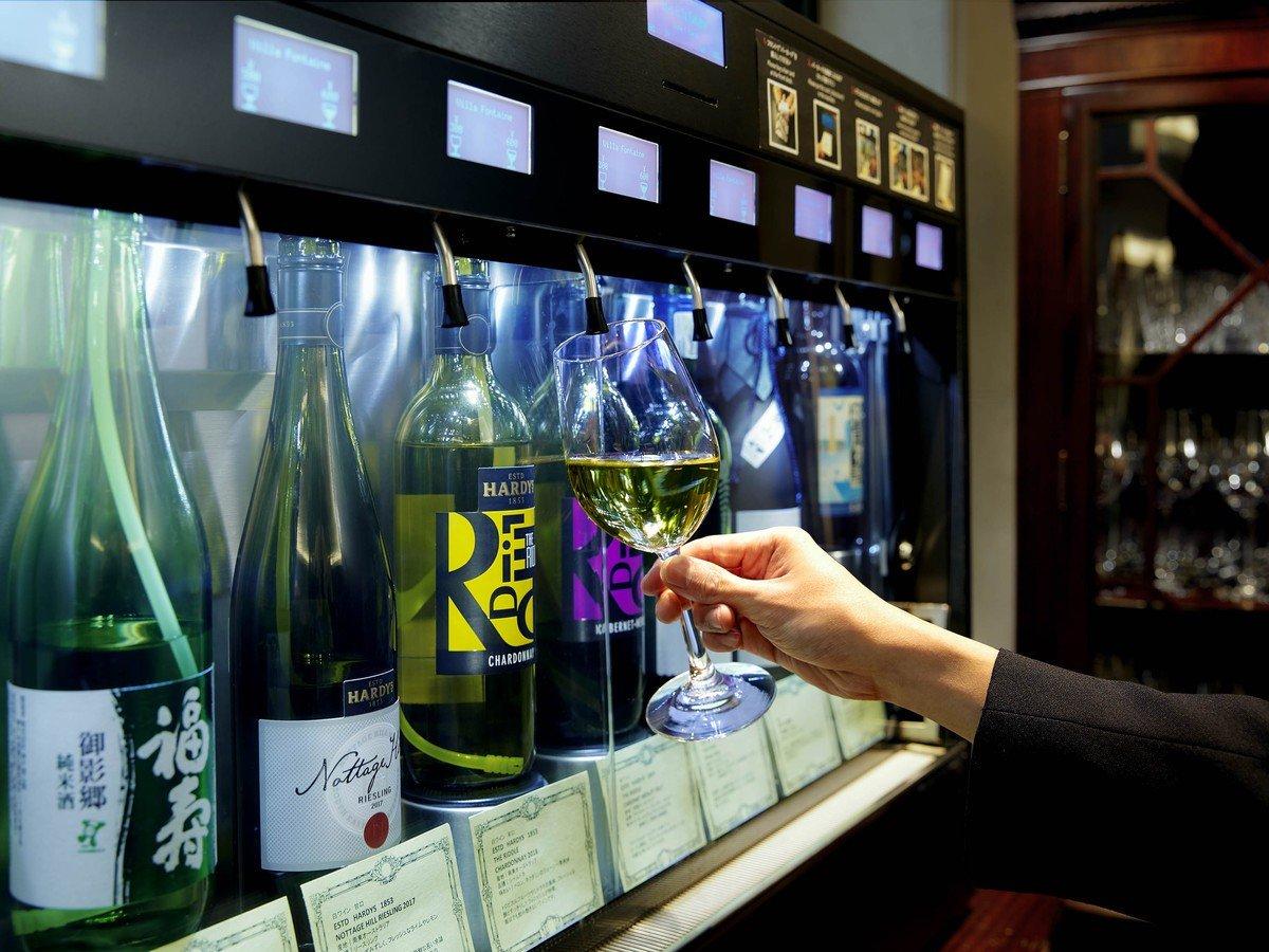ラウンジではアルコールが1杯600円でお楽しみ頂けます!