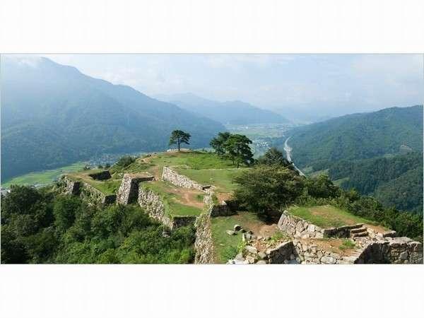 絶景ポイント!天空の城「竹田城址」からの大パノラマをお楽しみください♪