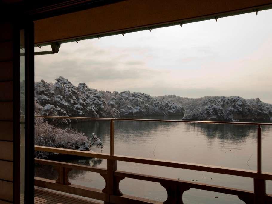 お部屋から望む冬の松島湾の光景
