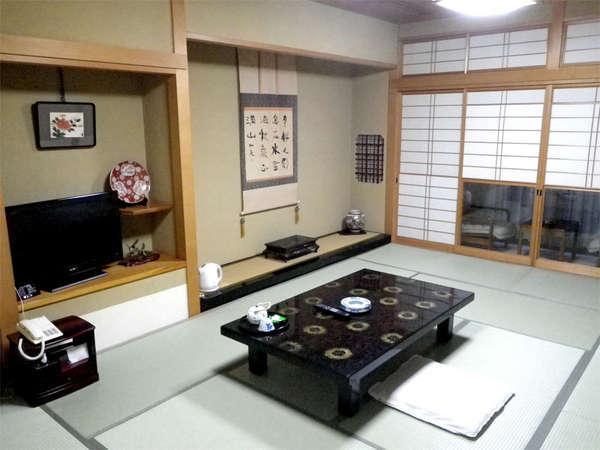 ■和室10~12畳(一例)■広々とお寛ぎいただける和室。ベランダからは庭園がご覧いただけます♪
