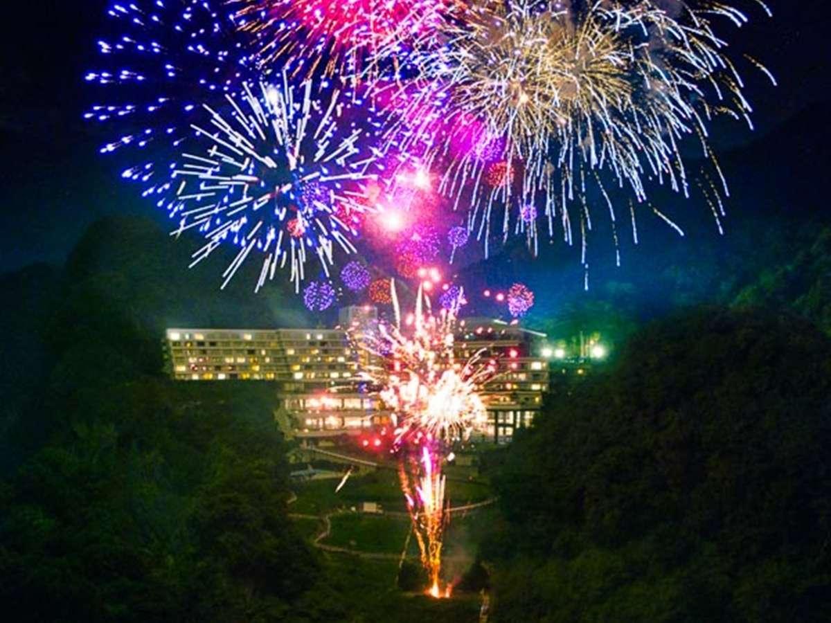 堂ヶ島ニュー銀水打ち上げ花火