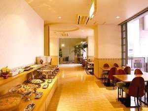 ◆ご朝食は和洋のバイキングをサービス。6:45~9:00の間にお召し上がりください。