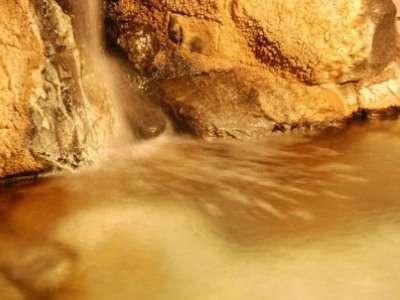 『湯の川源泉かけ流し♪』☆循環湯は一切使用しておりません!ので湯上がりのお肌はサラサラ・スベスベ☆
