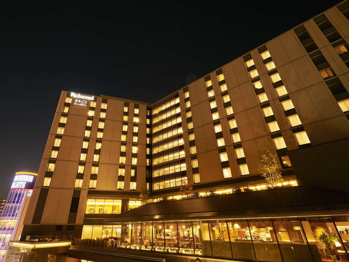 商業施設の上階に位置するホテルです。