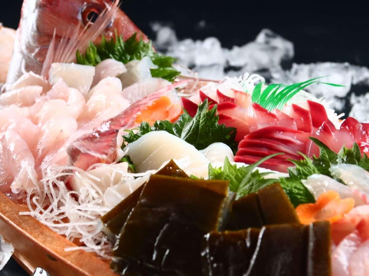 【舟盛り】新鮮な魚介をお刺身でご堪能ください。