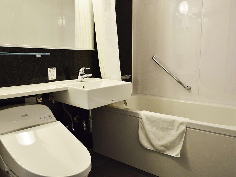 【風呂】バスルーム  シングル・ダブル・ツインのバスルームはユニットバスをご用意しております。