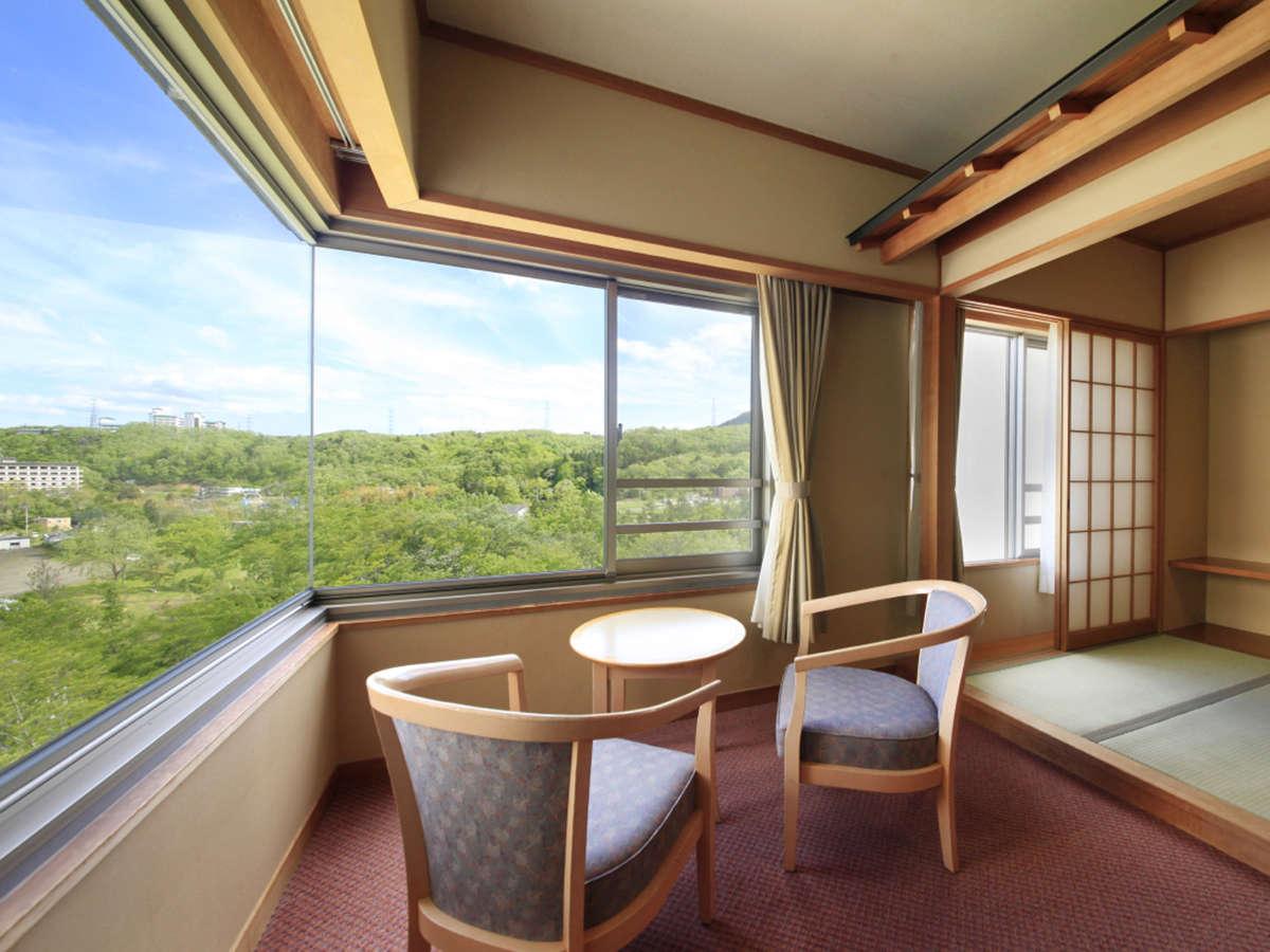 【禁煙】和室10畳+3畳(一例)…窓からは秋保の自然を一望できます。
