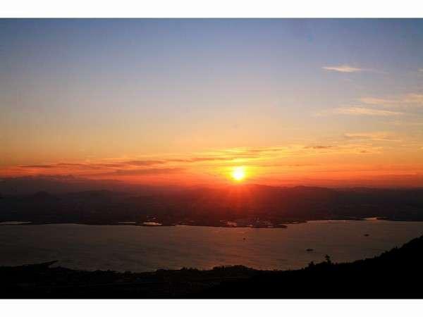 比叡山から望むご来光