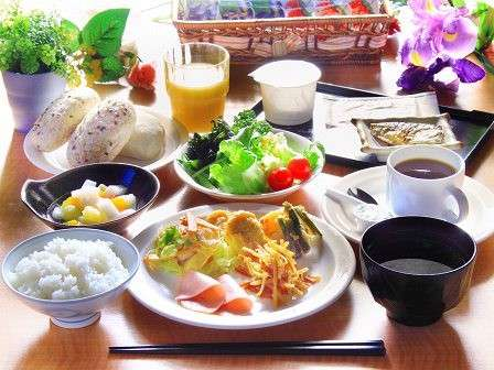 朝食バイキング無料サービス!レストラン「花茶屋」営業時間 6:30~9:00