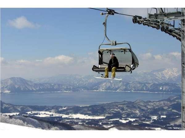【たざわ湖スキー場】田沢湖を眼下にビュースポットあり
