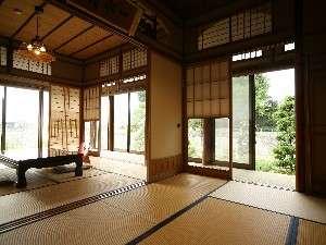 『一水』は和室2間から日本庭園を眺めながら安らぎの時間を。
