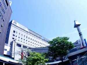 西鉄久留米駅東口からのホテル外観