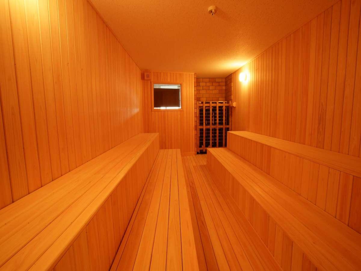 広々としたサウナ室です。