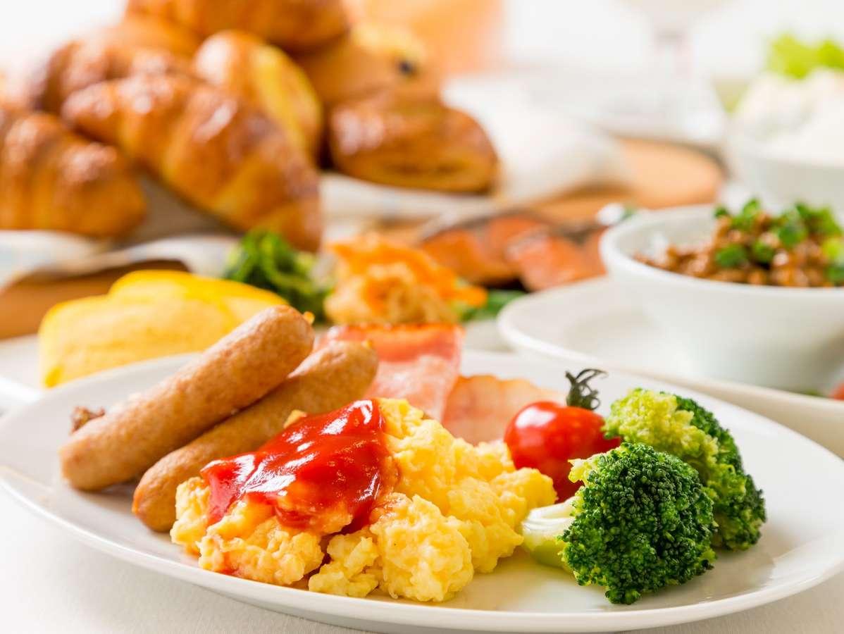 種類豊富な朝食ビュッフェをごゆっくりどうぞ♪