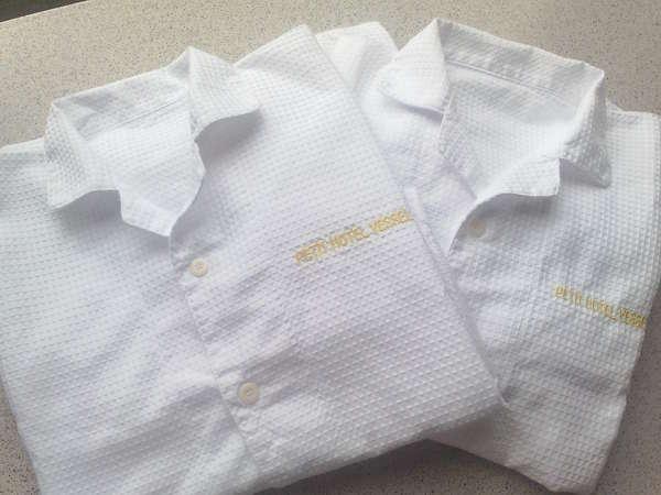 着心地は抜群です♪純白で柔かいワッフル地のパジャマをご用意しております(大人男女兼用フリーサイズ)