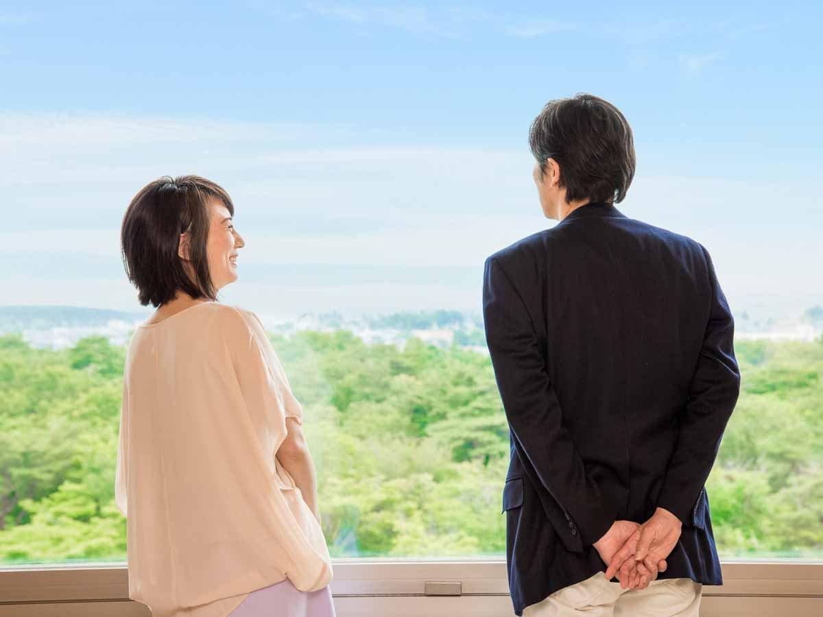*【客室(一例)】昭和の森を眼下に、おふたりの会話を