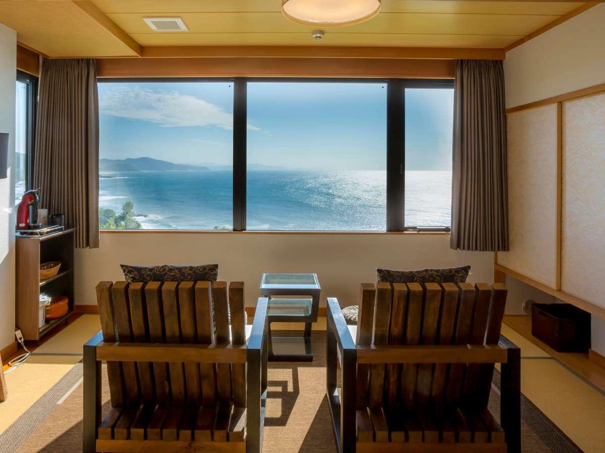 【最上階特別室「天海」】雄大なオーシャンビュー絶景。波の音をBGMに大切な人との時間を過ごして。