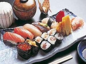 相模湾で獲れた旬も盛込む別館「寿司御膳」