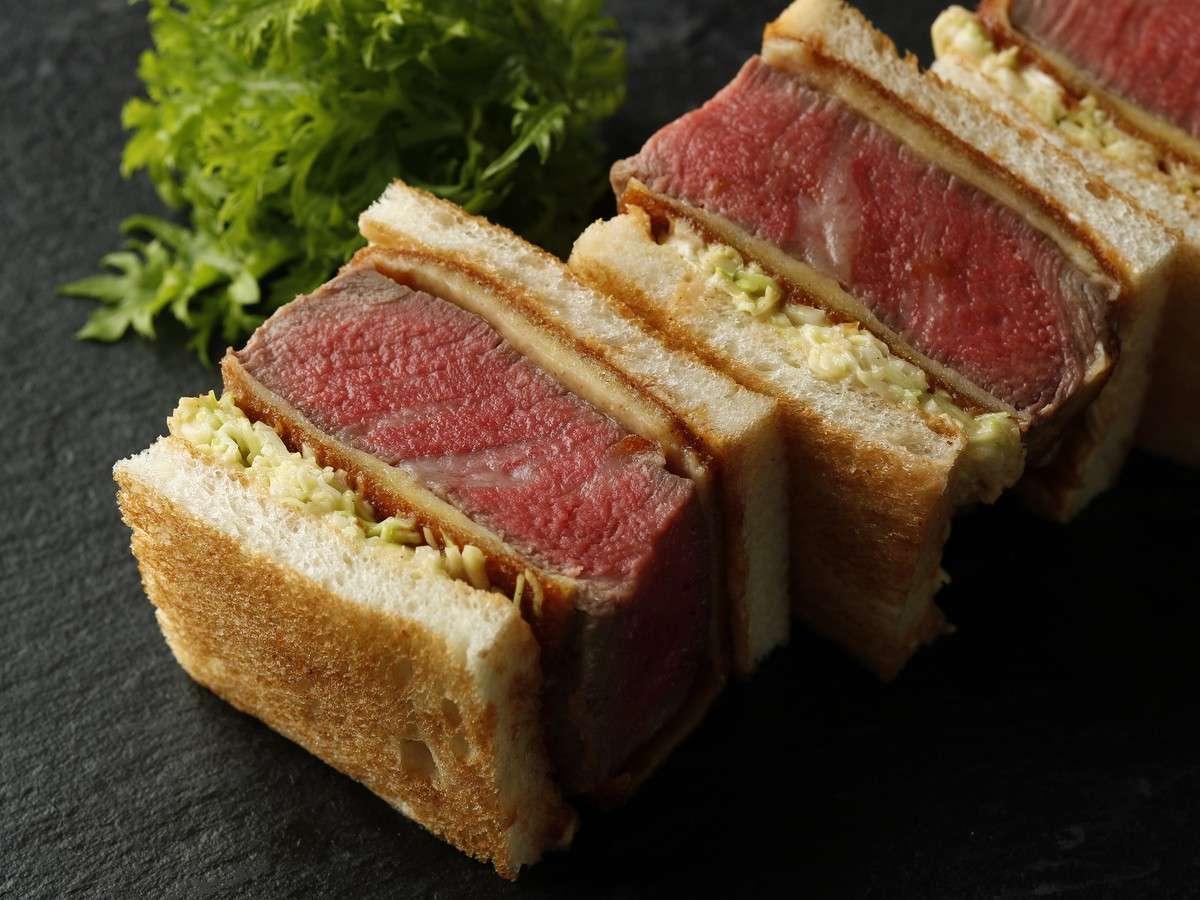 【合格祈願Lunch Box】牛フィレカツサンド