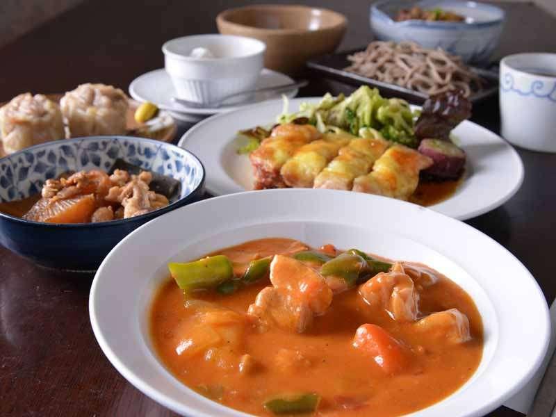 """*お夕食一例(もち豚のシチュー)/豚肉の良さを全て備えた""""もち豚""""はお野菜との相性も◎絶品です。"""