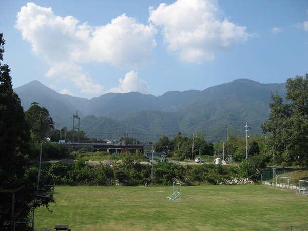 施設からは比良山系を見渡せます。