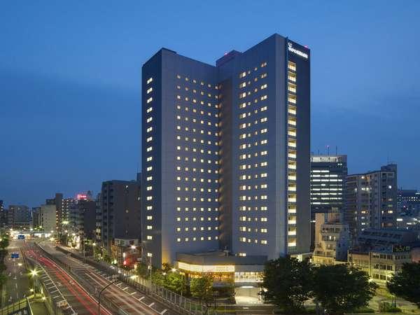 夜に見える当ホテル外観☆