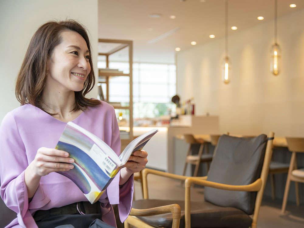 ご到着後には、お出かけのご相談など、気軽にご利用頂けるカフェスペースとして。