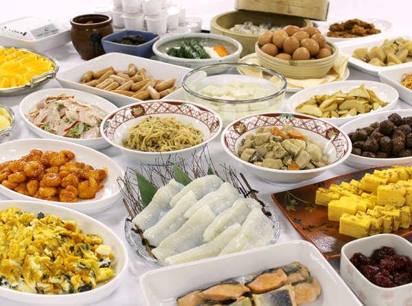 全40種以上和洋朝食バイキング~1階レストラン「カランドリエ」にてお召し上がりいただけます。