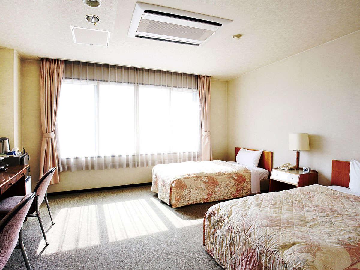【ツインルーム】洋室は全室琵琶湖向き
