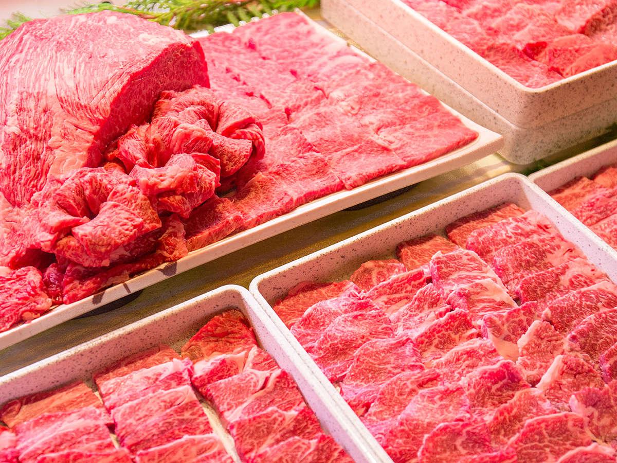 【夕食バイキング】国産霜降牛の焼肉は夕食バイキングの1番人気!!