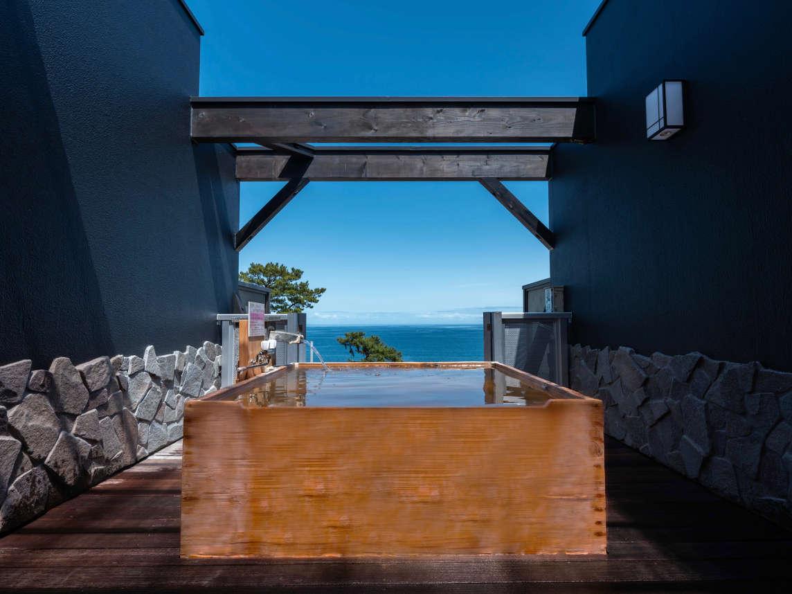 2020年5月リニューアル 展望貸切露天風呂『天海空』 木曽檜の『空』150cm角形