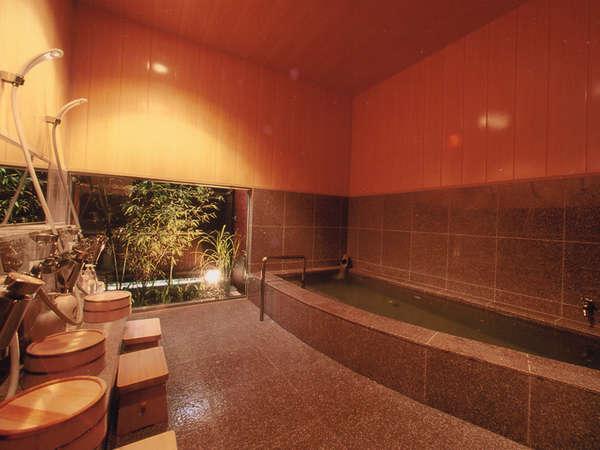 男女別の浴室は天然の柴山温泉です。ただし民宿仕様でそう大きくはありませんので、過度の期待はご勘弁を