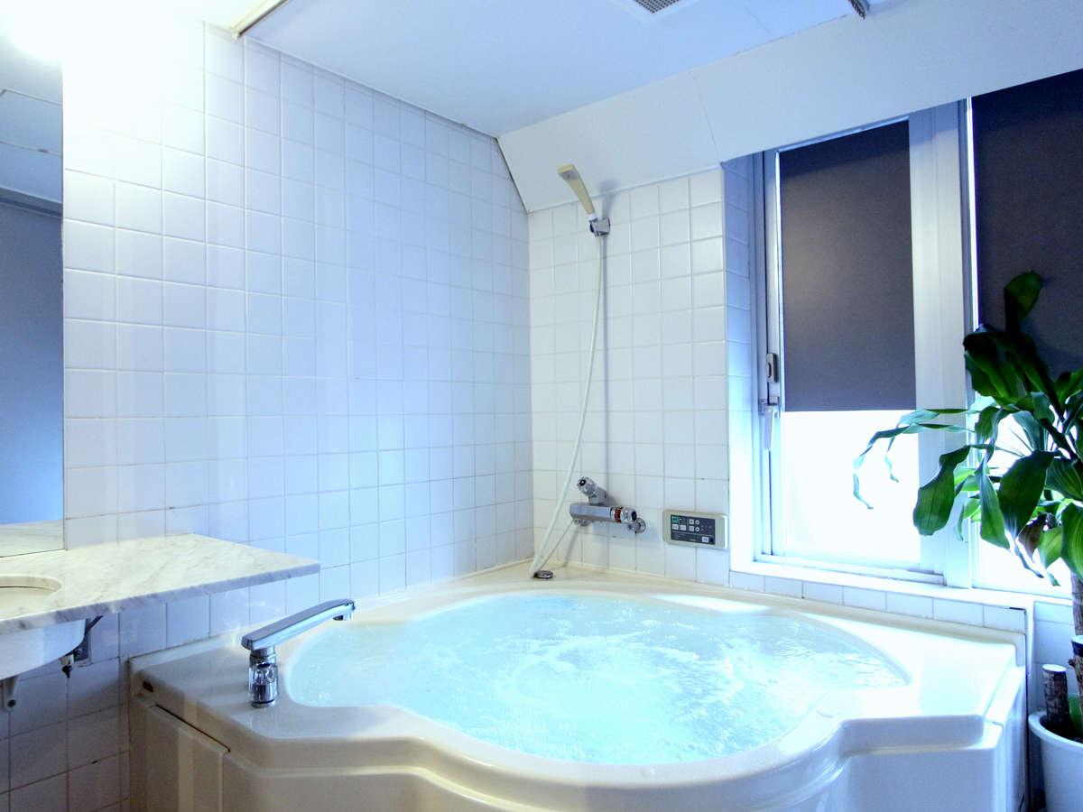 Hotel Livemax Korakuen - Hotels Rooms & Rates | Kudan, Yotsuya ...