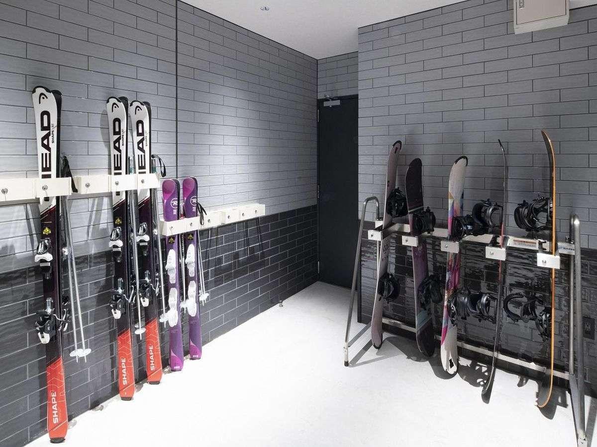 ◆スキーラック室 兼 自転車ラック室◆スキーヤーや、夏のサイクリストに便利な、専用ルームをご用意。