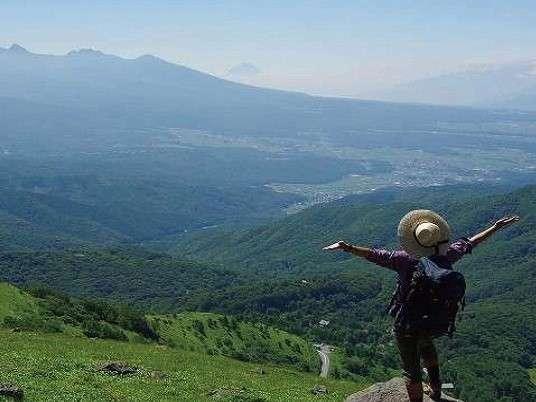 車山山頂からホテル八ヶ岳方面を望む