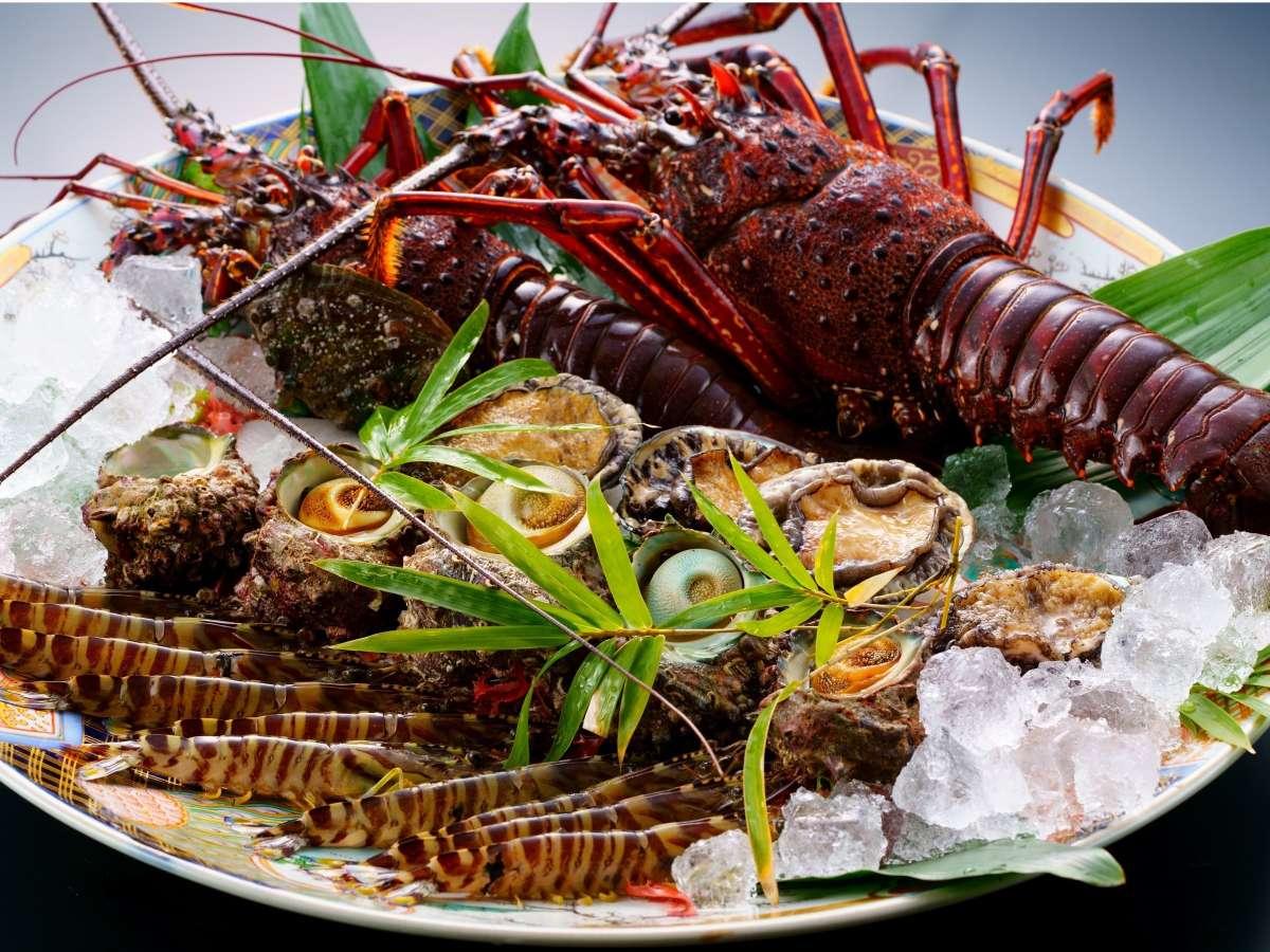 当館の生け簀には新鮮な海鮮をたくさんご用意致しております!!