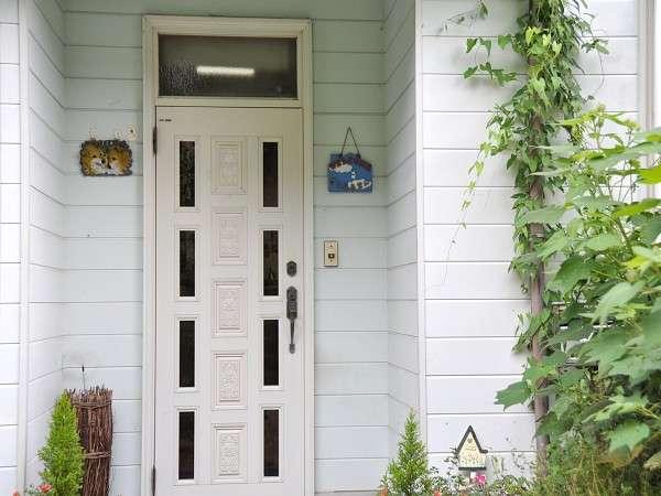お客さまを暖かくお迎えする玄関