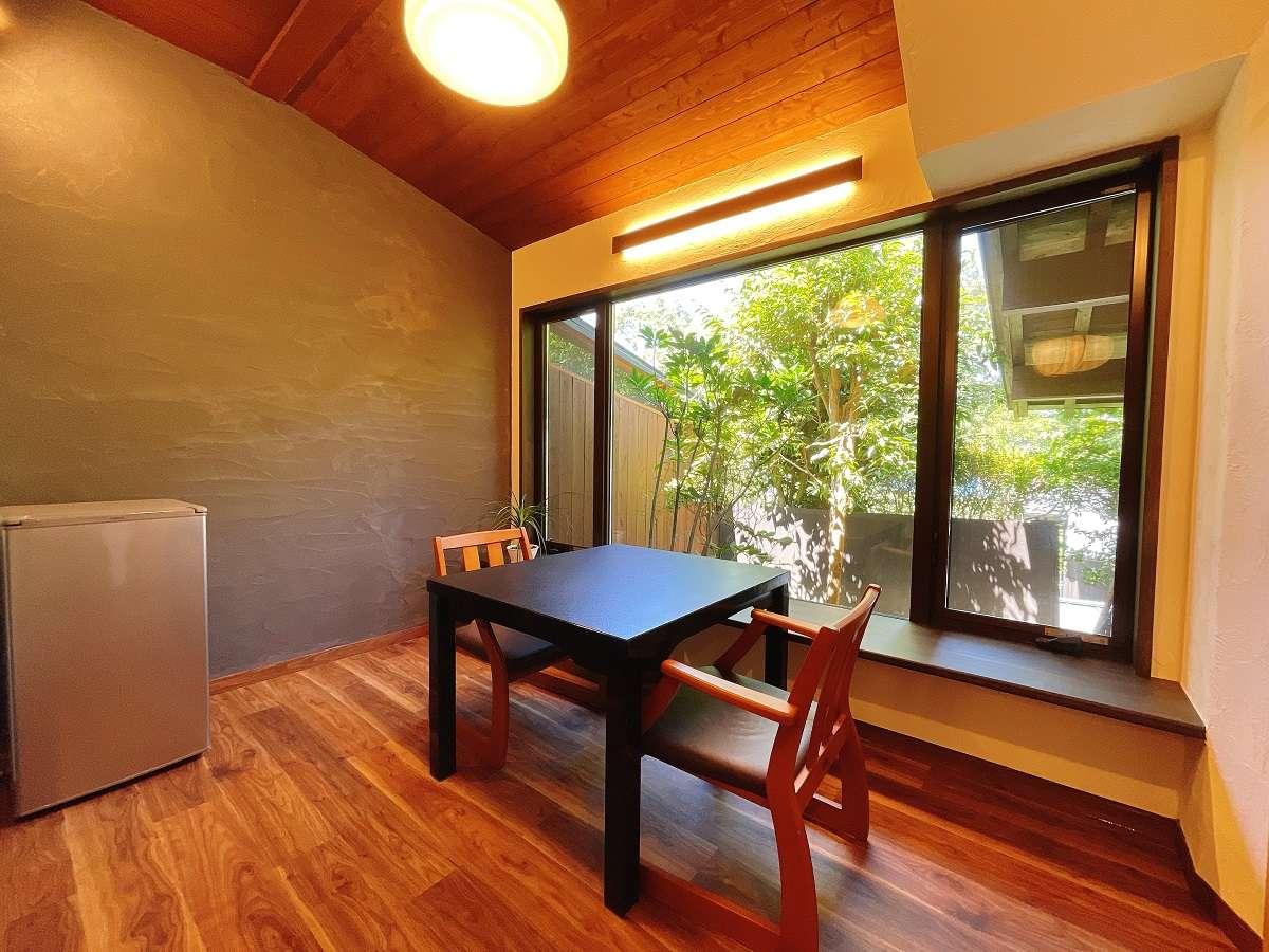 【離れ】半露天風呂付き和洋室+リラックスサンルーム/一例