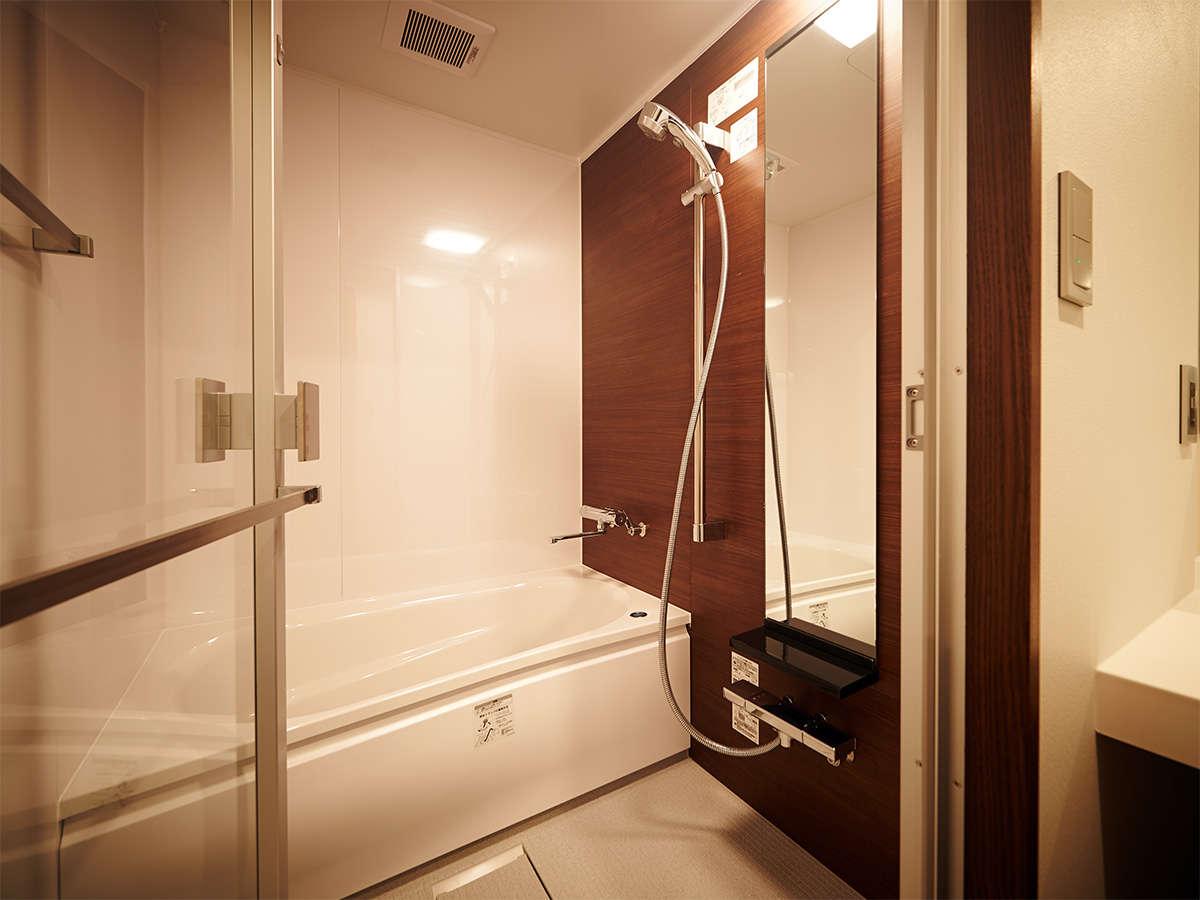 デラックスダブルの浴室