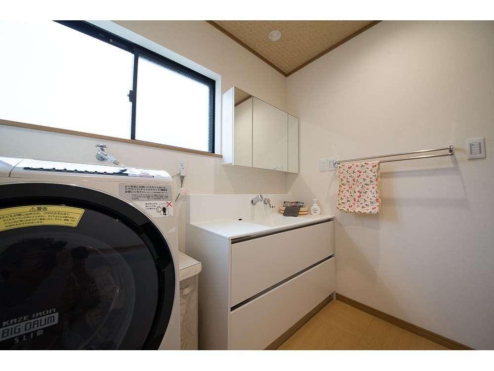 脱衣場・洗面ドラム式の洗濯乾燥機もご利用いただけます