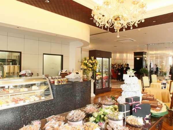 カフェ『ガトー・アイクレール』 10時半~19時半まで毎日営業