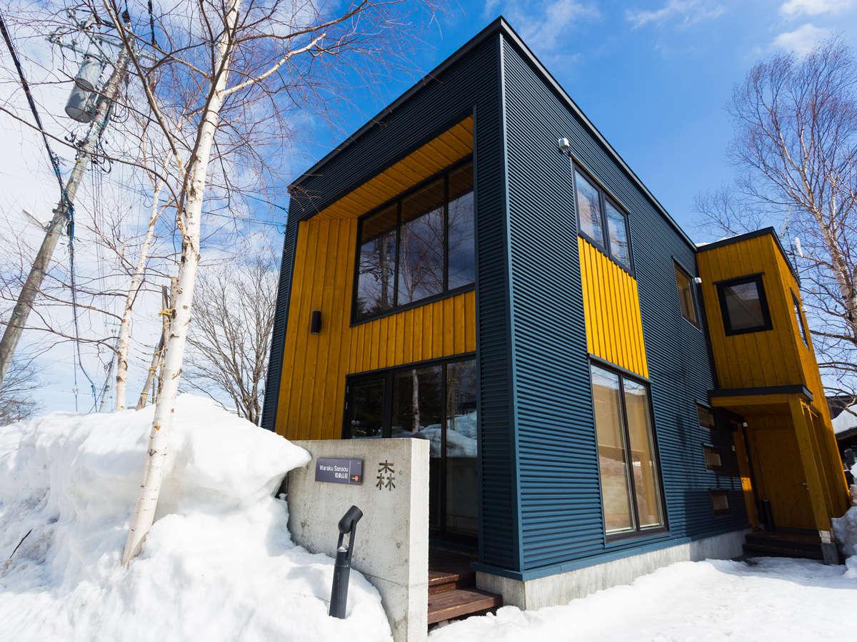 雪に囲まれた真冬の滞在も格別です。