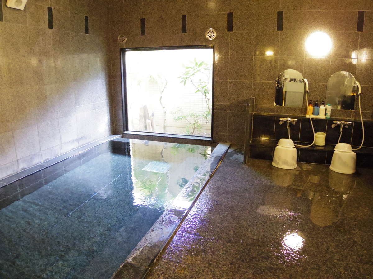自慢の男女別大浴場は15:00~2:00、5:00~10:00利用可能♪※写真は男性用です。