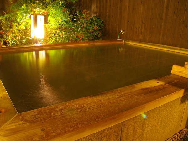 保温効果の高い炭酸ガスが溶け込んだ人工の炭酸風呂
