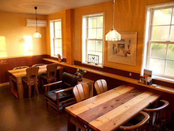 ちょっとレトロな雰囲気の食堂です
