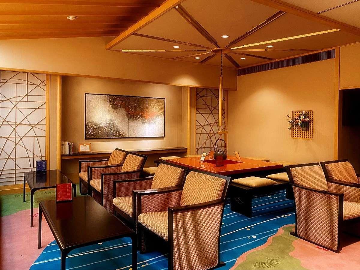 ◆ホテル1階:茶房らうんじ
