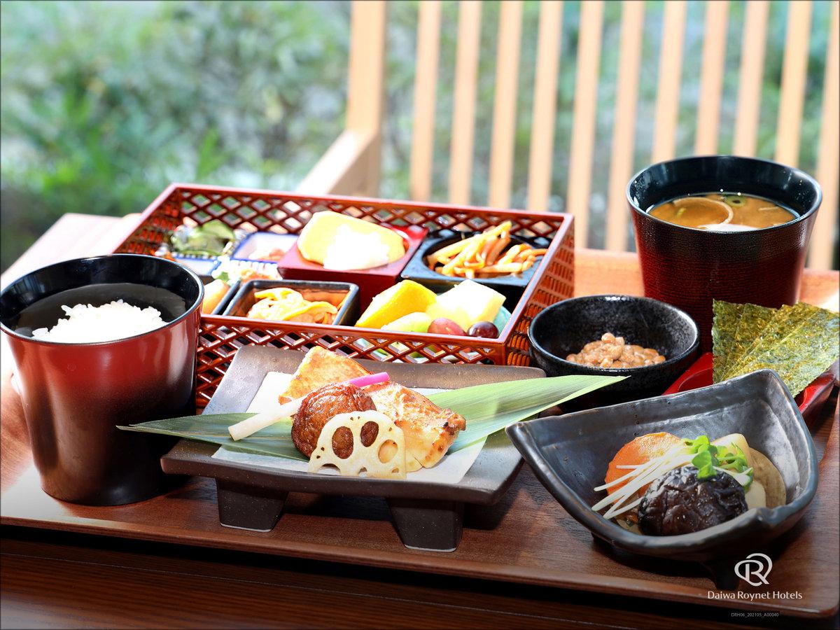 朝食「和食」※季節や仕入れ状況により、メニューの一部が変更になる可能性がございます