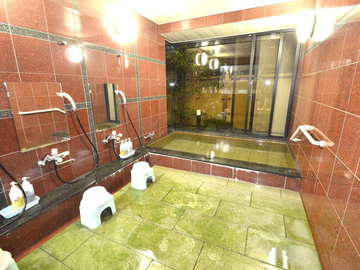 *【浴室】お風呂は1Fに。旅の疲れをゆっくり流してください。男女時間で入替えになります。