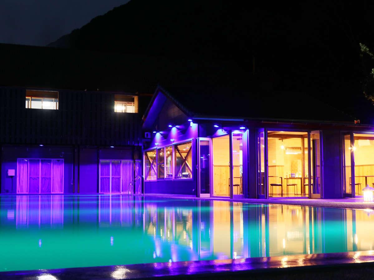 ナイトプール -Night pool-◆しっとりとした夜の雰囲気はお泊りいただいたお客様の特権です