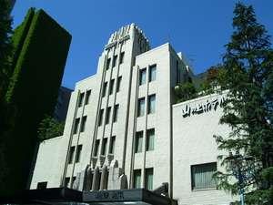 1937年ヴォーリスの設計による文化的価値も高い本館